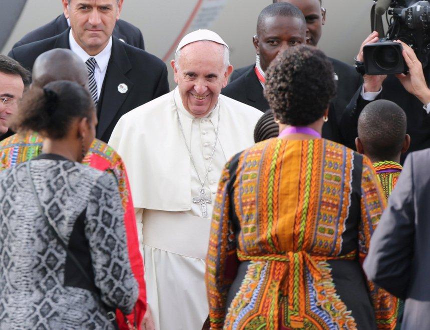"""Il Papa in Kenia: """"Il terrore si nutre di povertà e paura"""""""