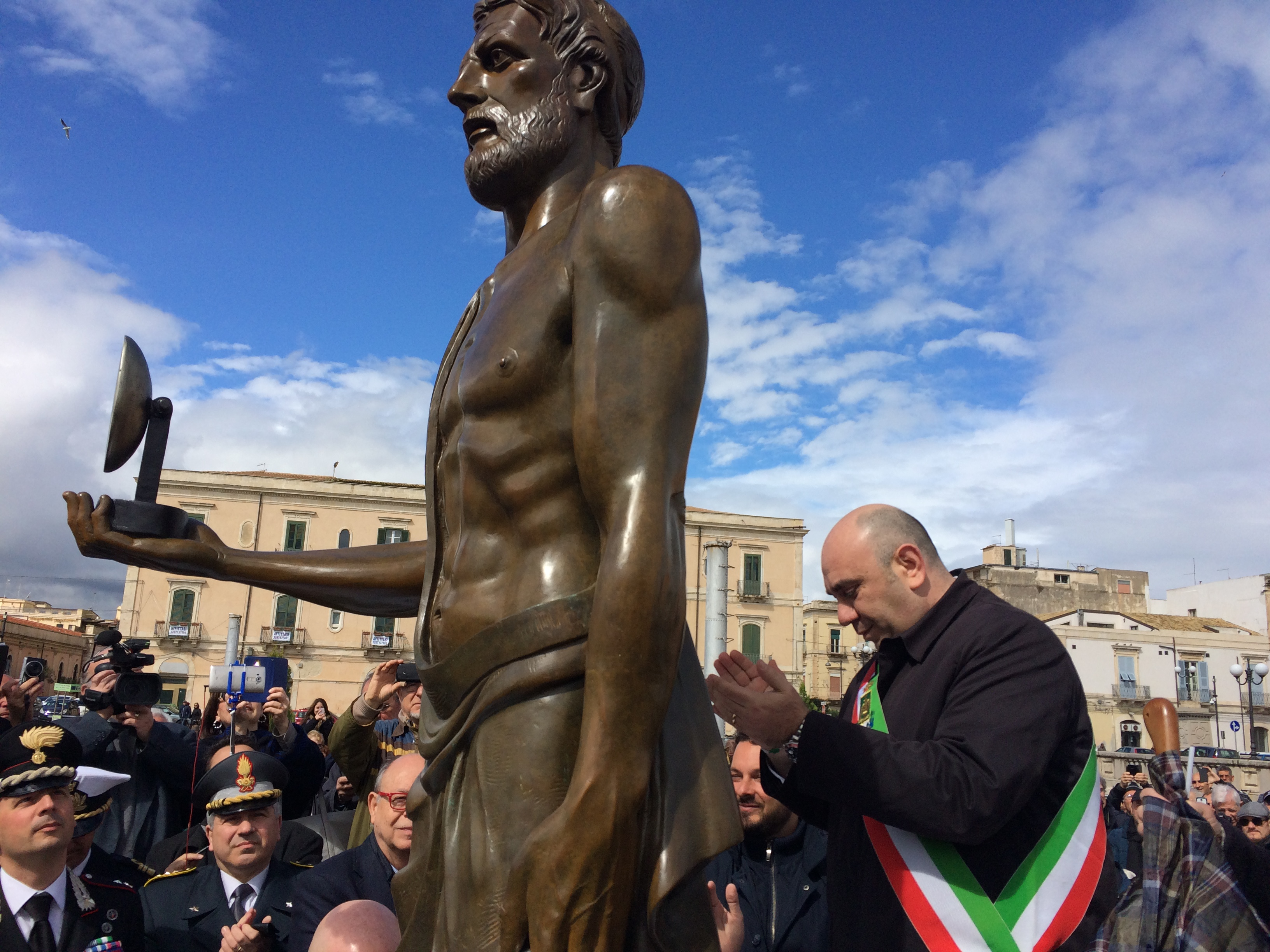 Inaugurato a Siracusa il primo monumento dedicato ad Archimede