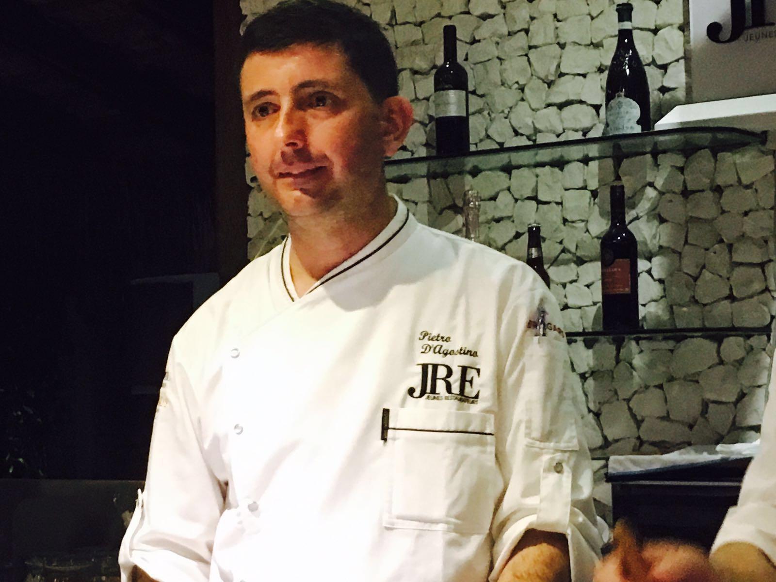 Pietro D'Agostino tra gli 83 chef a JRE i giovani ristoratori d'Europa alle Maldive
