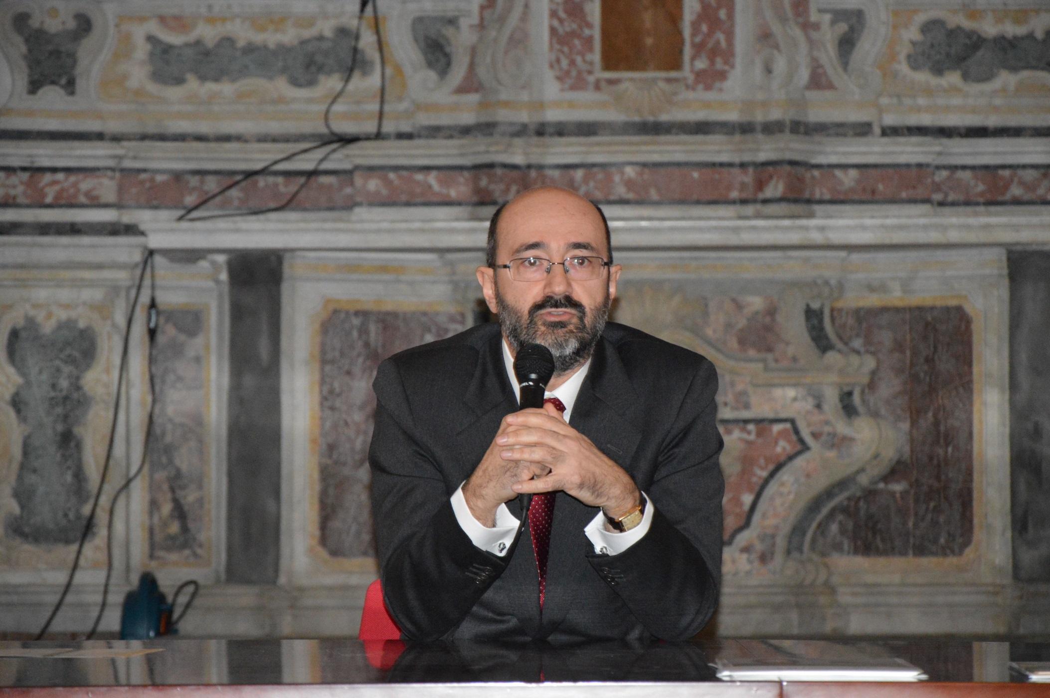 Grande successo per Giuseppe Nifosì che inaugura il Festival delle Relazioni