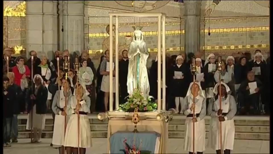 Il Reliquiario della Madonna delle Lacrime continua la sua permanenza a Lourdes