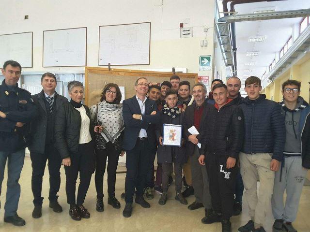 """Polizia, progetto """"BLUE BOX"""". incontro ad Avola"""