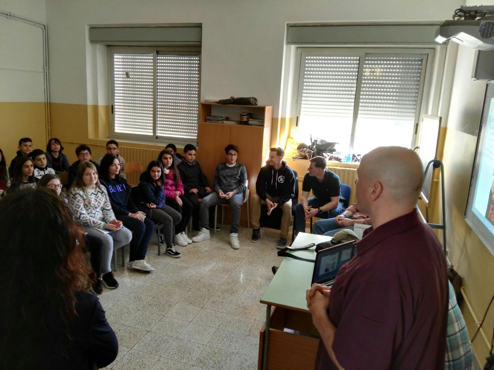 Lentini, Marines incontrano gli studenti della Riccardo di Lentini per un progetto di Sport & Sana Alimentazione