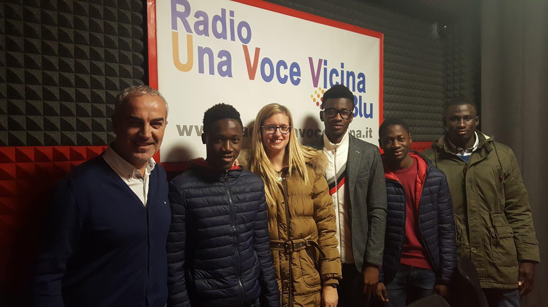 """Carlentini, Oggi alle 17, Ospiti in Radio nella rubrica """"#Zoom"""" una delegazione di minori stranieri ospiti nella struttura """"Nelson Mandela""""."""