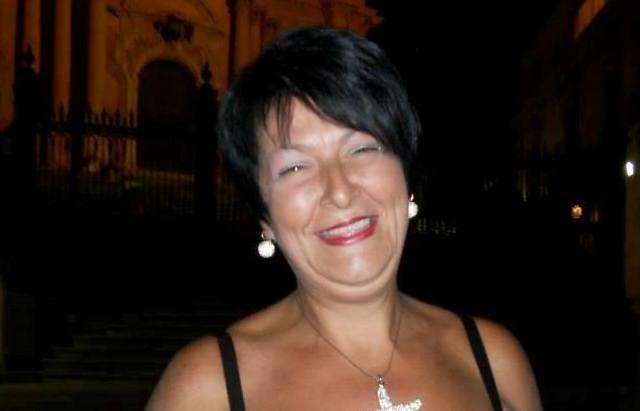 """Francofonte,  La poetessa Giusy Finestrone tra i finalisti del premio internazionale di poesia """"Maiori in love"""""""