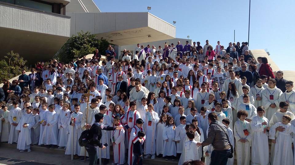 Siracusa, Giornata del ministrante con l' arcivescovo Salvatore Pappalardo.