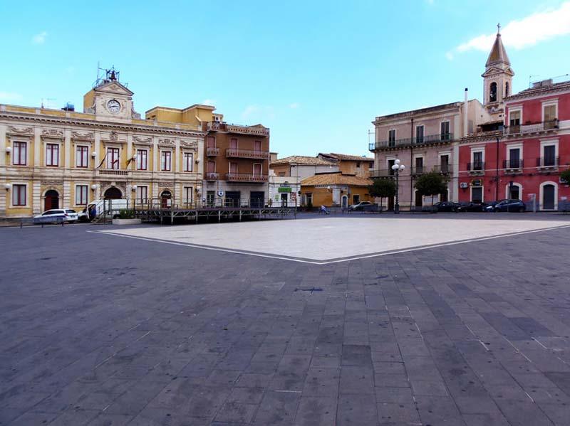 Amministrative 2018. Carlentini 5 candidati a sindaco, 15 liste, 237 aspiranti al consiglio comunale per guadagnarsi i 16 posti. E' partita la campagna elettorale