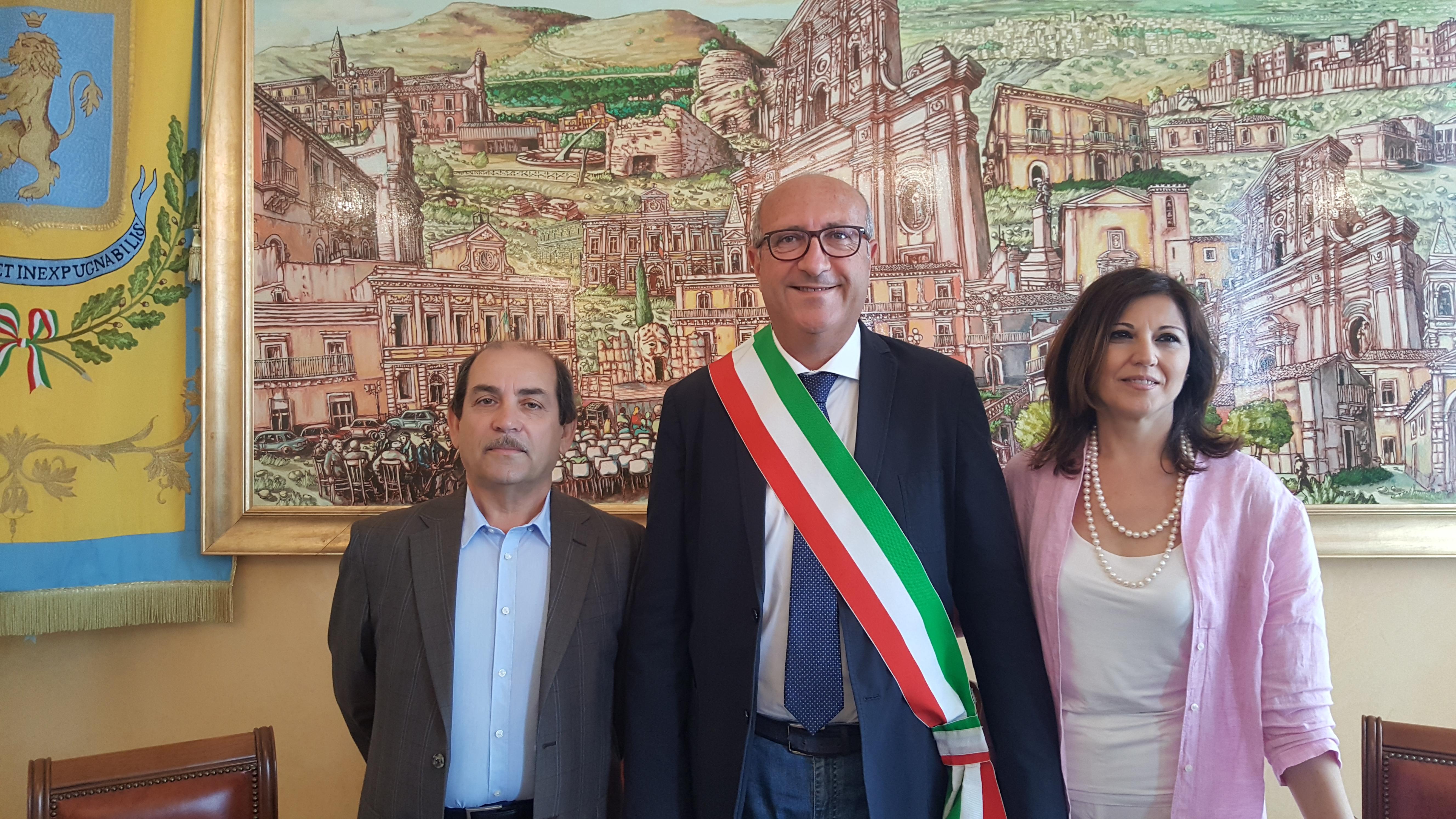 Carlentini, il neo sindaco Giuseppe Stefio assegna le prime deleghe a Marangia e Lipari. la giunta verrà completata dopo la proclamazione dei consiglieri comunali