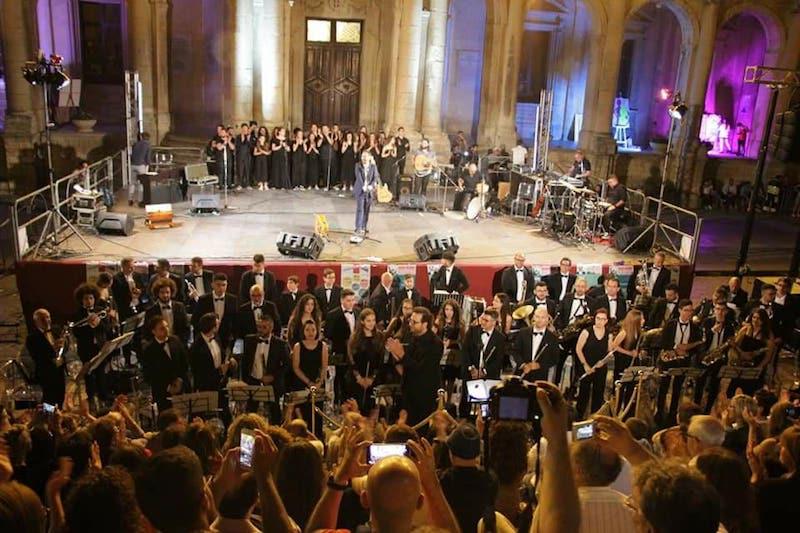 """Noto, Festa della Musica, il """"cunto e canto popolare""""  di Mario Incudine ha chiuso l'edizione 2018"""