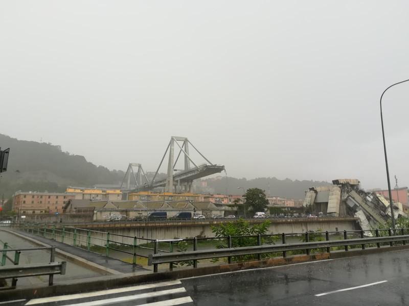 Genova, crolla il ponte Morandi sull'autostrada A10: 11 morti accertati