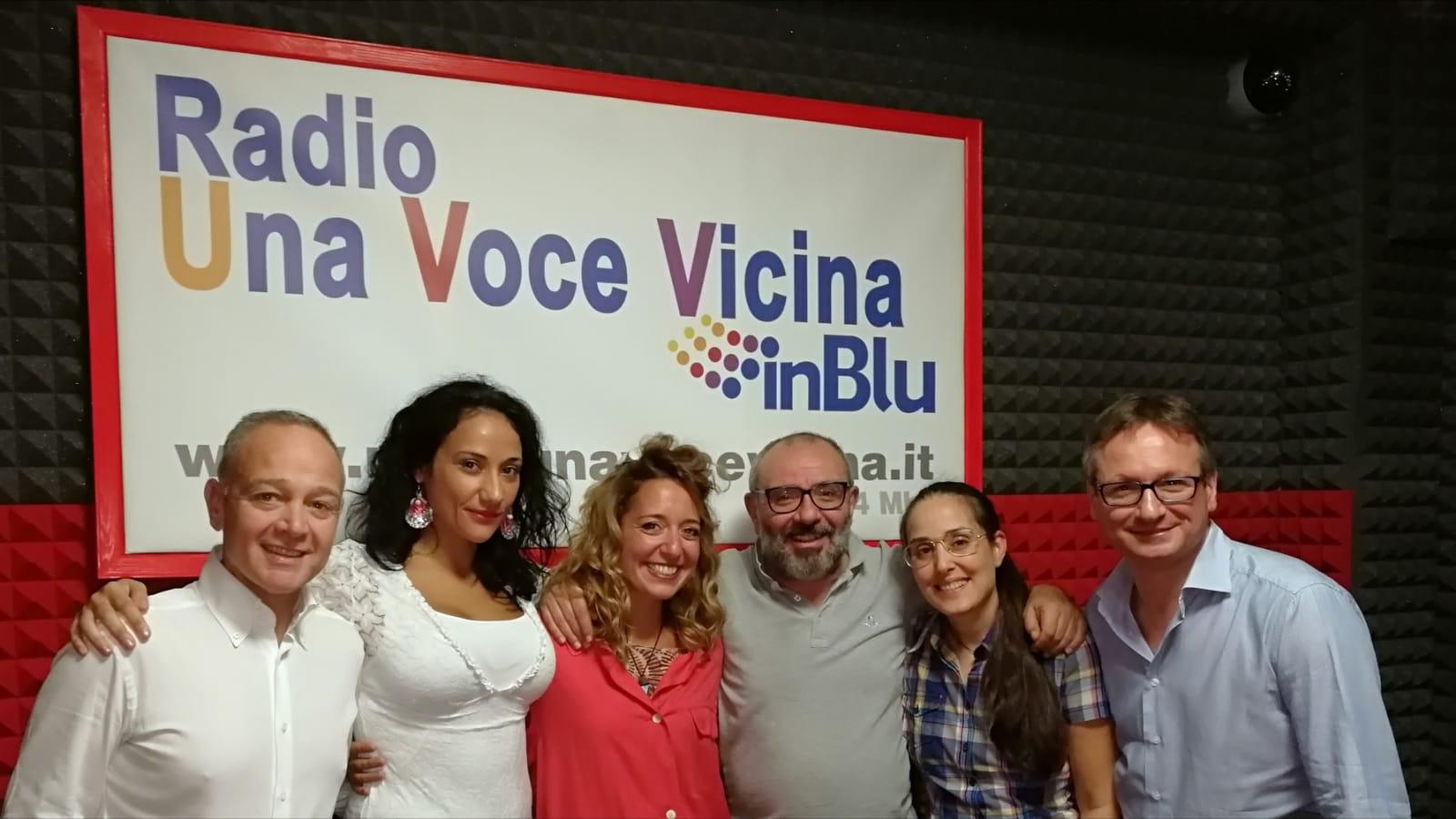 """Carlentini, Successo per la prima puntata del programma """"Una Voce in Blu""""."""