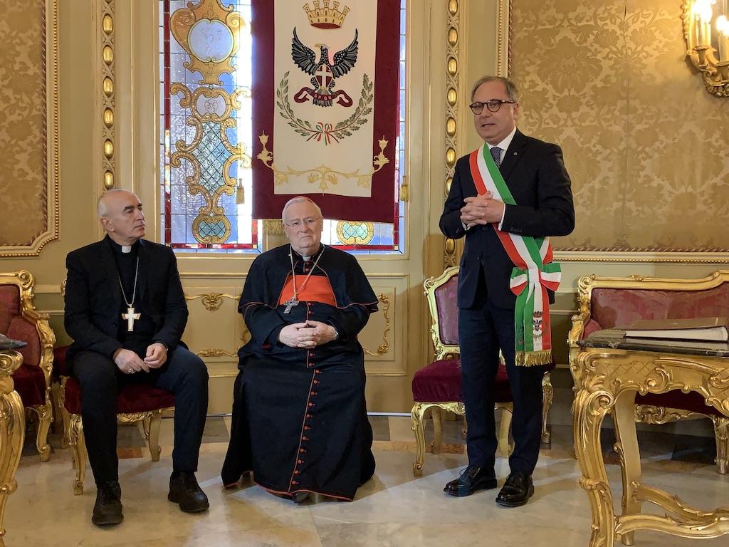 Noto, Il sindaco Bonfanti riceve il cardinale Gualtiero Bassetti