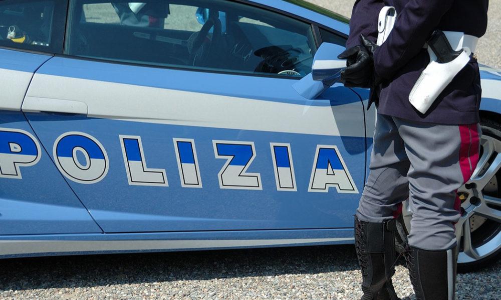 SIRACUSA, LA POLIZIA DI STATO ESEGUE UN'ESPULSIONE DI UN CITTADINO TUNISINO DIMESSO DALLA CASA DI RECLUSIONE DI AUGUSTA