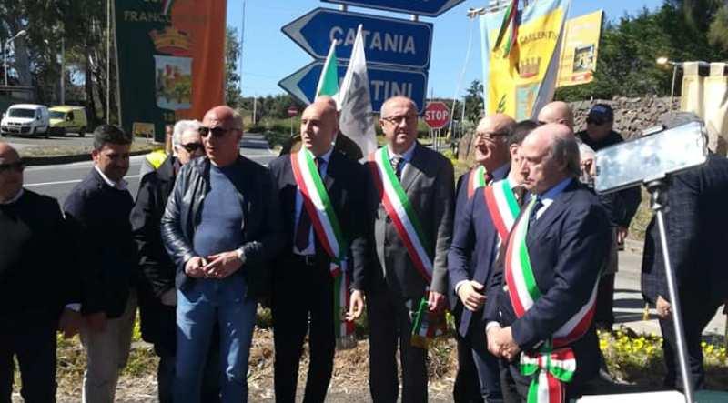 """Ragusa-Catania, per i sindaci un'altra beffa: """"Tutto torna in discussione"""". lunedì prossimo i primi cittadini parleranno ai cittadini"""
