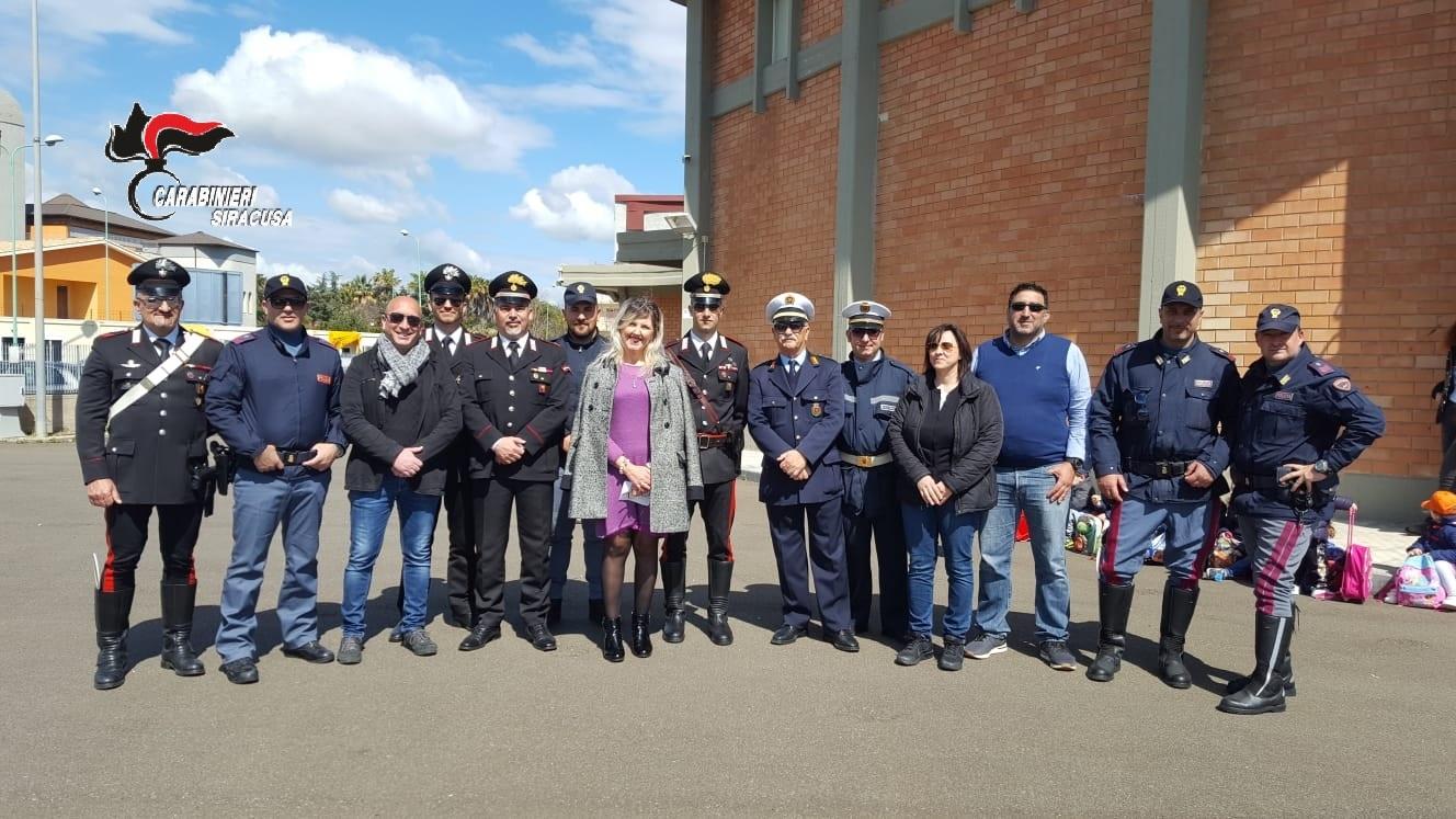 Priolo, Polizia, Carabinieri, Vigili urbani e volontari incontrano gli studenti