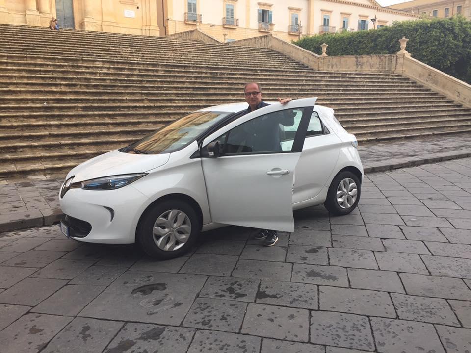 Noto città verde, il Comune ha la sua prima auto elettrica