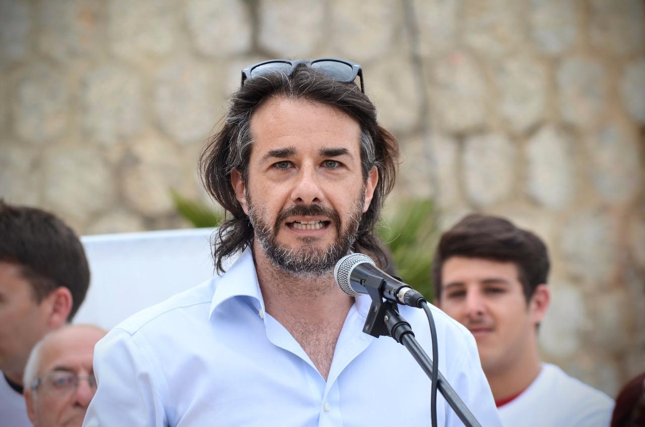 """Palermo, Basta plastica a scuola: il M5S consegnerà domani 900 borracce agli studenti dell'Istituto """"Cruillas"""""""