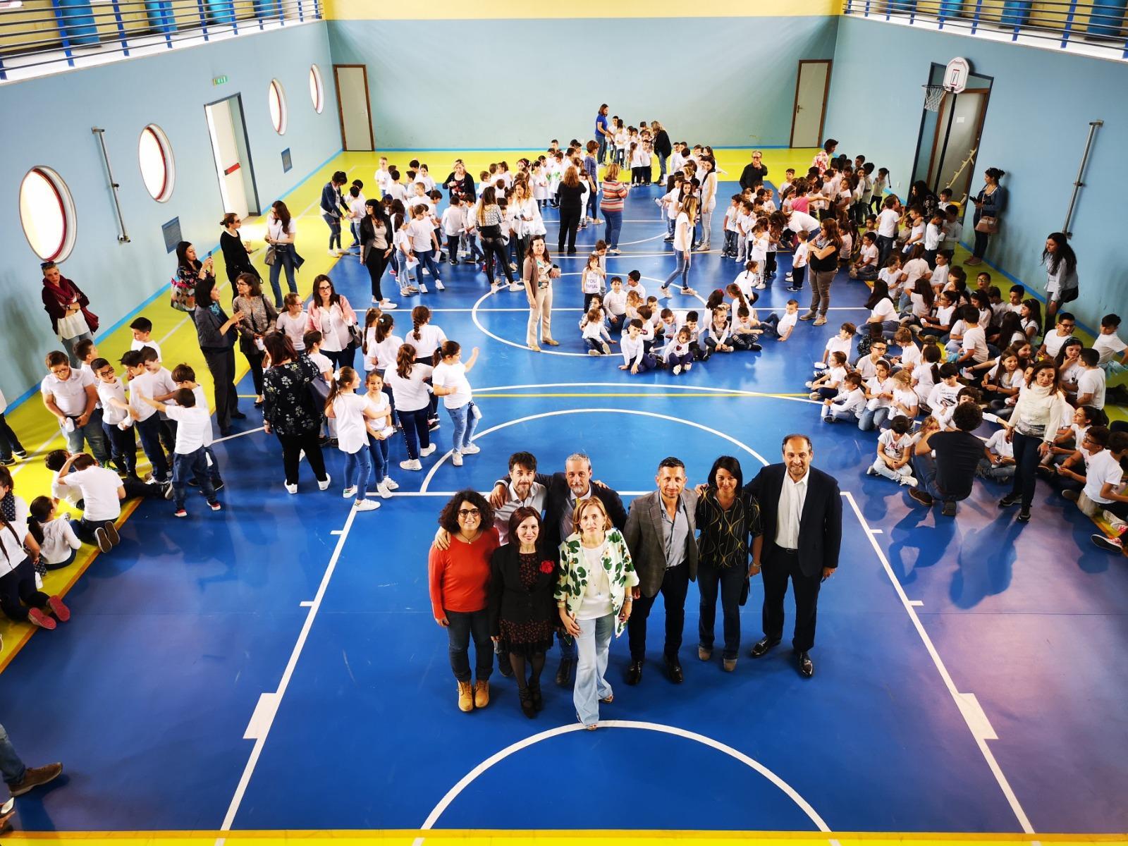 Palermo, Plastic free. M5S dona 900 borracce agli studenti di Cruillas