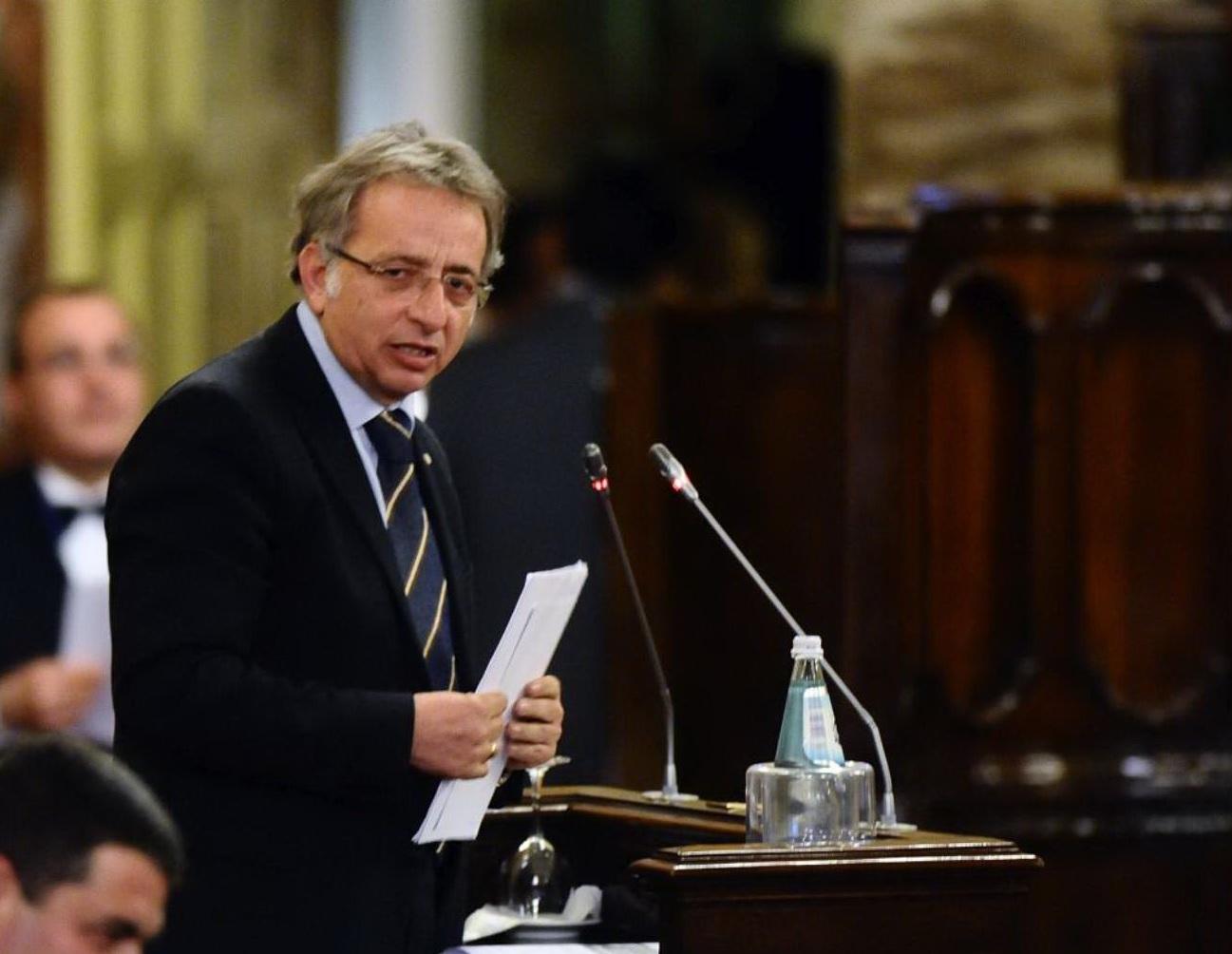 Siracusa,  Emendamento di modifica della data sul voto delle Province ritirato dal Governo. L'ex parlamentare regionale Vincenzo Vinciullo critica la scelta del governatore