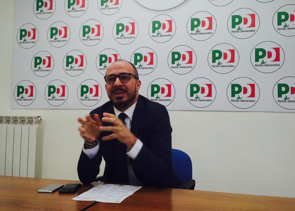 """Palermo,  M5S: """"C'era un segretario Pd in Sicilia? Se Faraone non fosse stato scaricato dal Nazareno non se ne sarebbe accorto nessuno"""""""