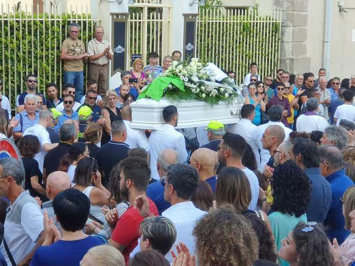 Ragusa, travolto da Suv, in migliaia a funerale