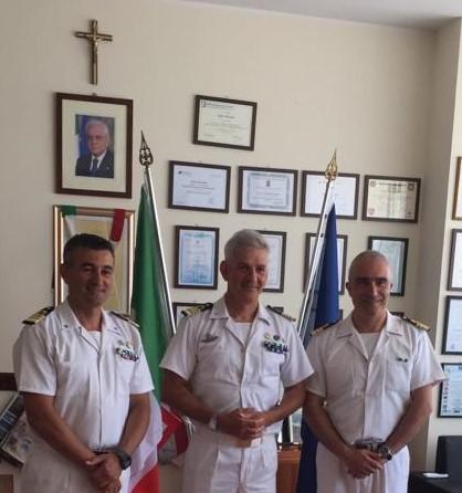 Passaggio di consegne nell'incarico di Comandante in IIª, tra il Capitano di Fregata Antonio Giummo ed il Capitano di Fregata Giuseppe Stola
