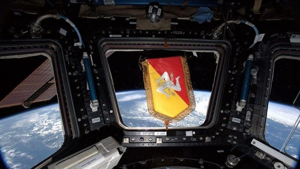 L'omaggio di Luca Parmitano alla Sicilia: il simbolo della Regione nello spazio
