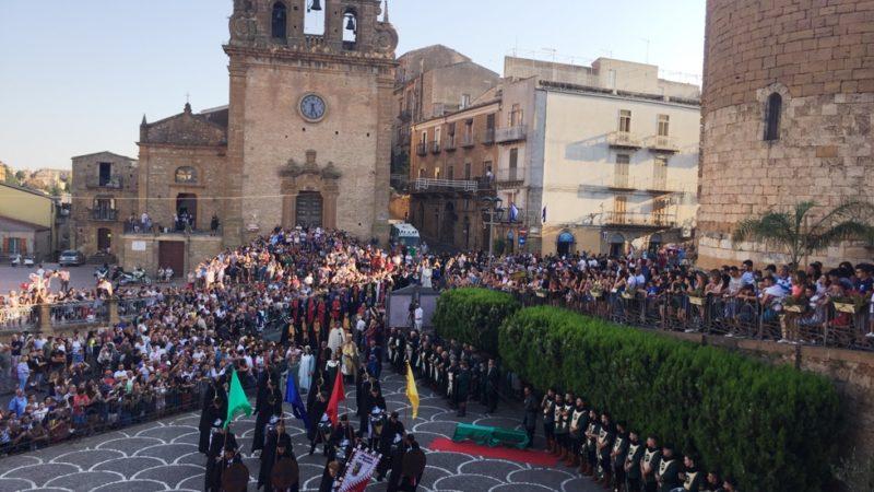 Arabi e Normanni, il primo atto di tolleranza della storia   siciliana: è partita la 46esima edizione del Palio