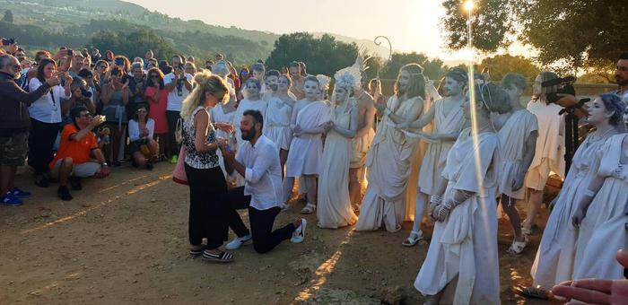 Agrigento, Proposta di matrimonio all'alba nella Valle dei templi