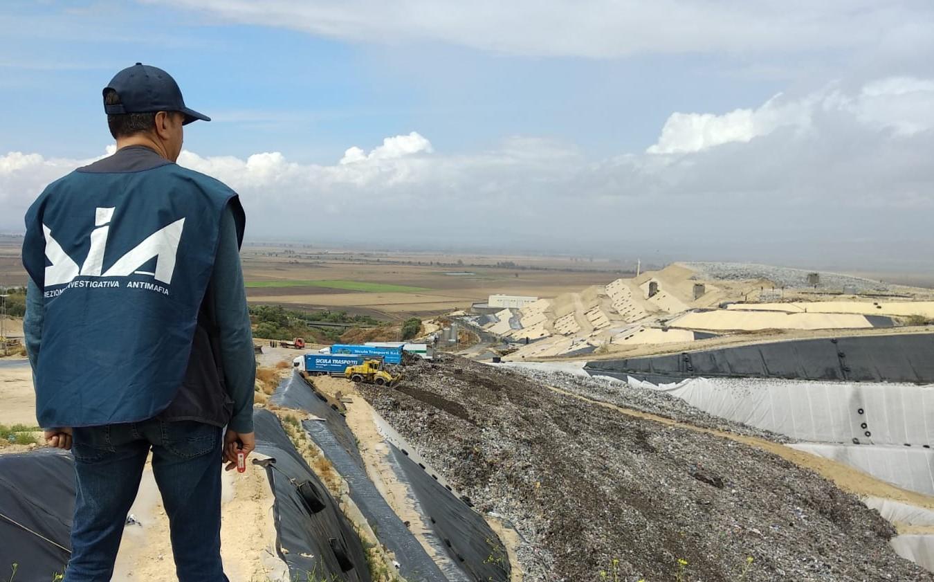 Lentini, Ispezione della Dia alla discarica della Sicula Trasporti