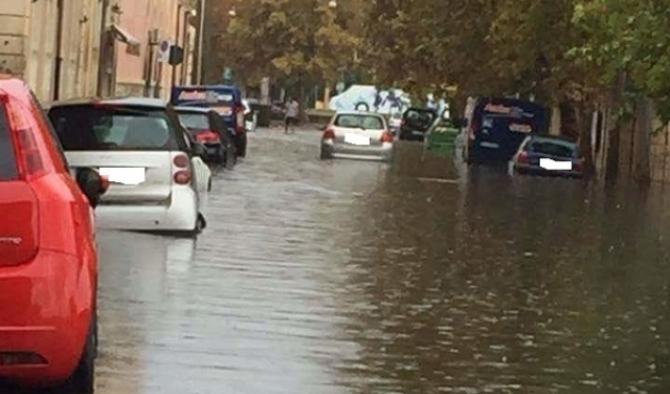 Siracusa, Bomba d'acqua stamattina su Siracusa, allerta gialla fino alle 24