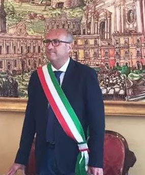 """Il sindaco di Carlentini Giuseppe Stefio,  non aderisce a nessuna diversa collocazione politica: """"il mio Partito è il Territorio"""""""