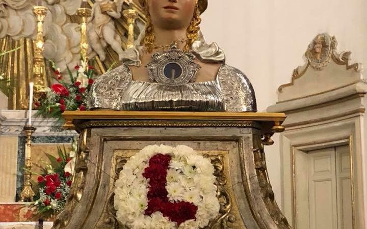 Belpasso, Domenica i reliquiari di Santa Lucia provenienti da tutta l'isola. Celebrazione Eucaristica presieduta dall' arcivescovo di Siracusa.
