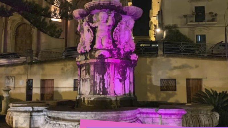"""Noto, Giornata Mondiale del Prematuro, Noto partecipa illuminando di viola la Fontana di Ercole. Il sindaco Bonfanti: """"Segno tangibile di un comune sentire"""""""