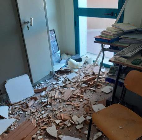 Palazzolo Acreide, Cedono parti solaio, chiusa una scuola