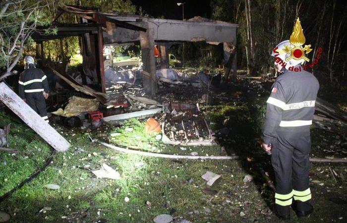 Barcellona Pozzo di Gotto, Esplode deposito di fuochi d'artificio, cinque i morti