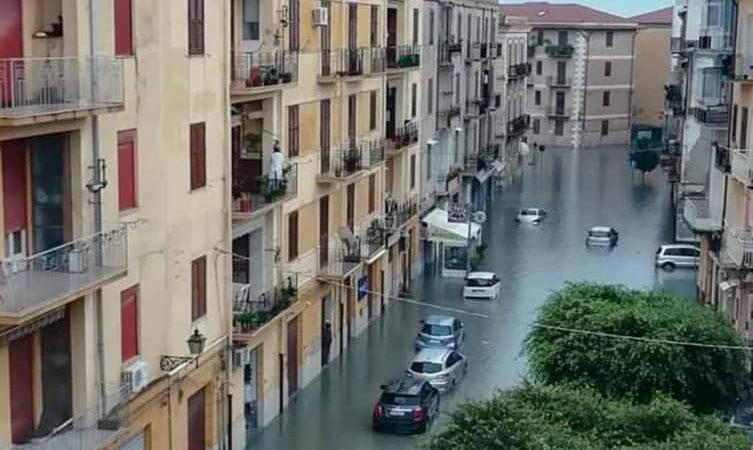 """Maltempo: Strade allagate a Licata Il sindaco: """"Lasciati soli"""""""