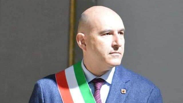 """Francofonte. Il sindaco Lentini ai francofontesi: """"Non abbassiamo la guardia, vaccinarsi è fondamentale"""""""