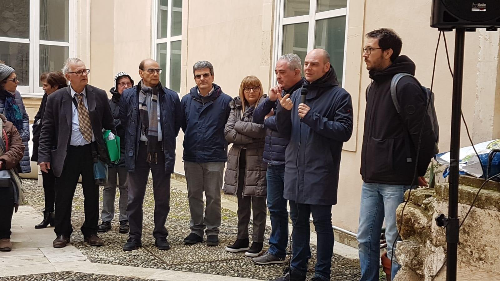 Siracusa, Libero Consorzio Siracusa, Paolo Ficara e Stefano Zito (M5S) hanno incontrato stamattina il commissario appena insediato e i dipendenti