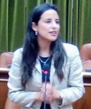 """Lentini, La consigliera comunale Claudia Saccà  lascia il movimento """"Ora"""": è indipendente"""