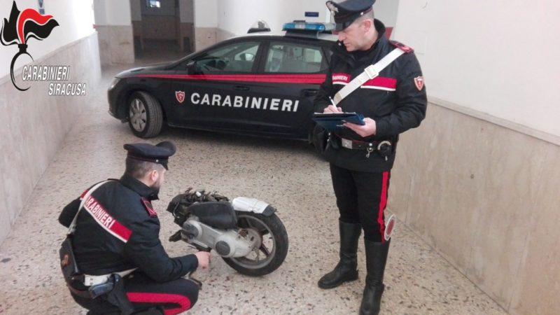 CARLENTINI, INDIVIDUATO DAI CARABINIERI CENTRO DI STOCCAGGIO DI MOTOCICLI  D'EPOCA PROVENTO DI FURTO.