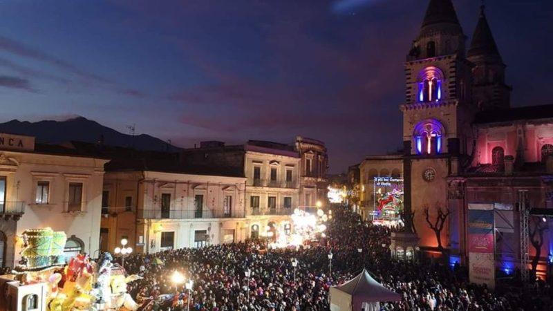 Acireale, Un altro bagno di folla nella giornata di oggi per il Carnevale