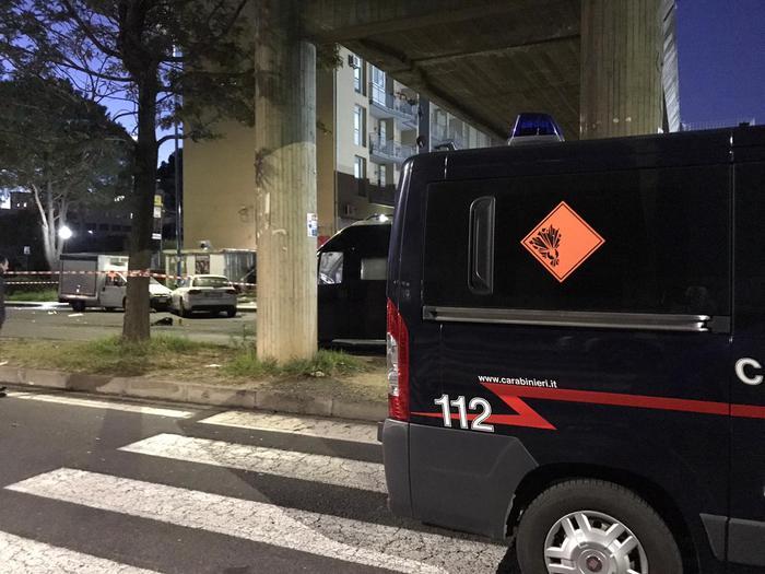 Catania, Bomba davanti distributore, morto ladro
