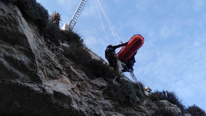Siracusa, Cadavere giovane su scogliera litorale, indagini dei carabinieri