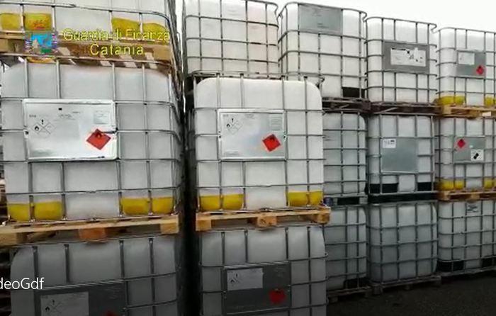 Bronte, Coronavirus: la Guardia di Finanza  sequestra 7.115 litri disinfettante