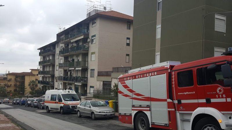Carlentini, Cade in bagno salvata dai Vigili del Fuoco del distaccamento di Lentini e dai  medici e infermieri  del 118