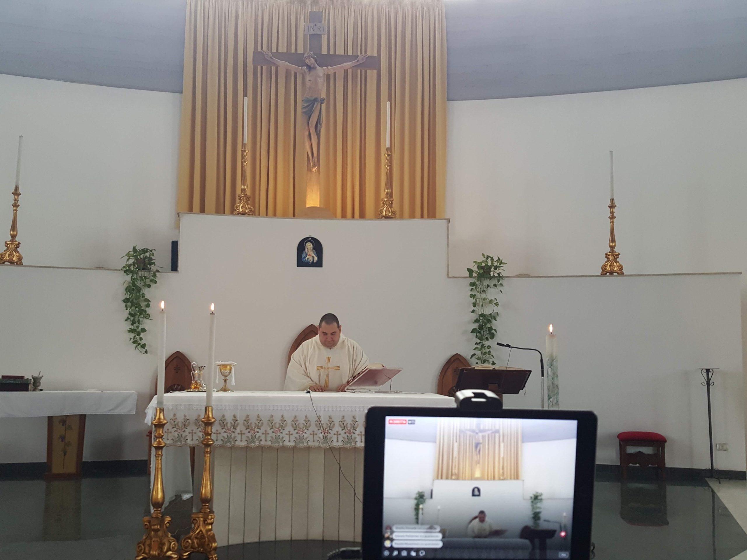 Carlentini, Santa Messa, tutte le domeniche, alle 20,  dalla Parrocchia Santa Tecla in diretta sui canali social