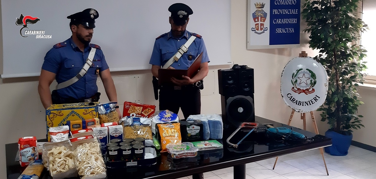 """Carlentini, ruba al supermercato """"Conad"""" arrestato dai carabinieri"""