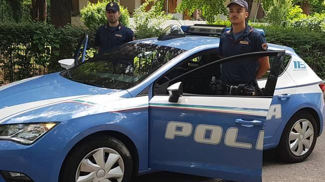 LA POLIZIA DI STATO ARRESTA 4 PERSONE PER FURTO DI AGRUMI E CARRUBBE
