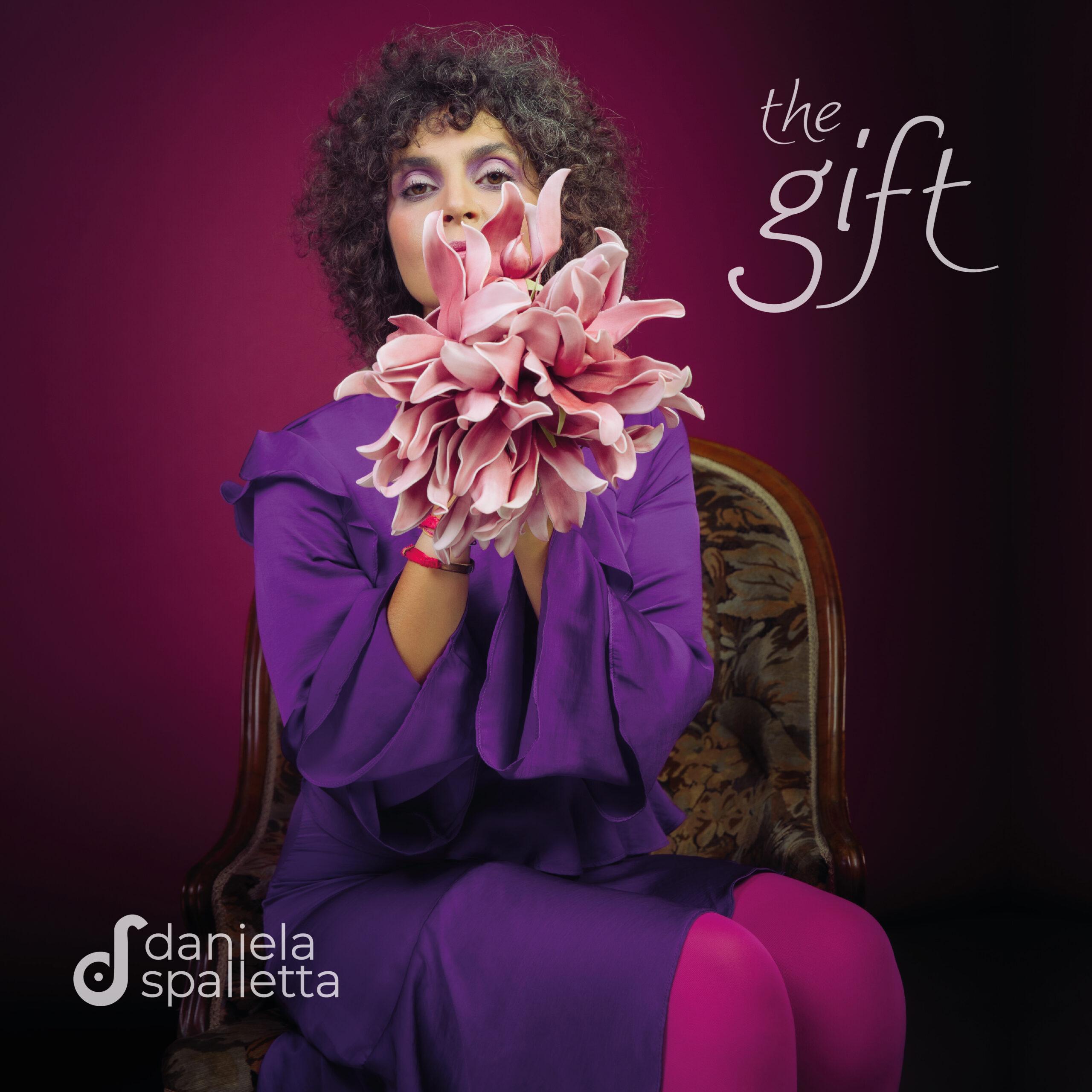 """""""THE GIFT"""", IL NUOVO SINGOLO DI DANIELA SPALLETTA"""